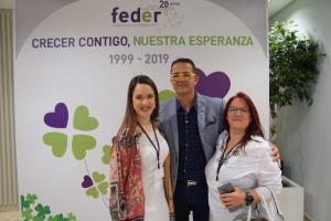 Ainhoa Notario Fernández, coordinadora y representante internacional de AERyOH, D. Juan Carrión, presidente de FEDER y Sonia Fernández Serrano, presidenta de AERyOH